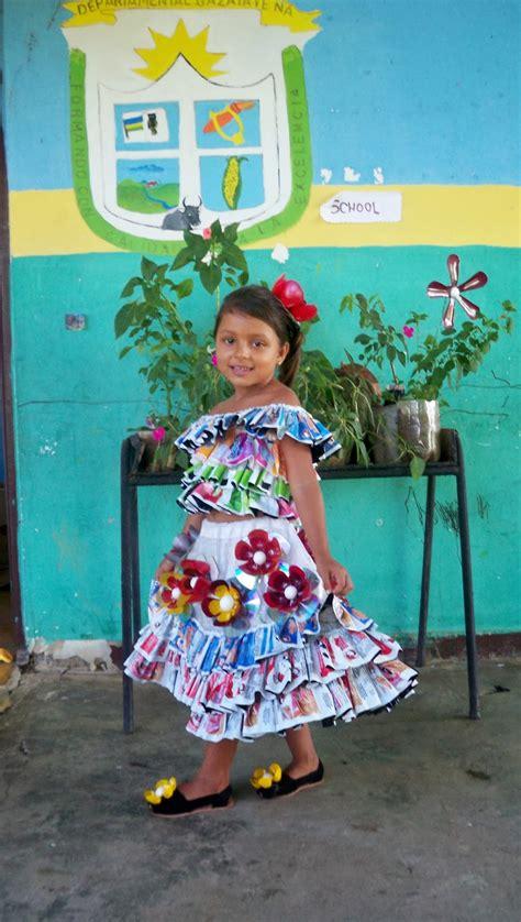 galleries vestidos elaborados con material reciclable flickr vestidos de material reciclable para vestido reciclado