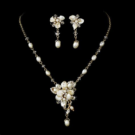 gold pearl wedding jewelry trend 2011