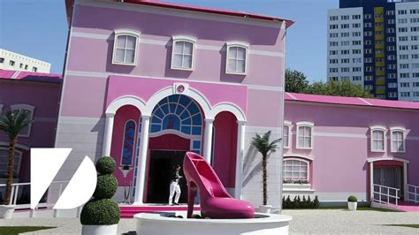 biggest barbie doll house huge pink barbie house youtube