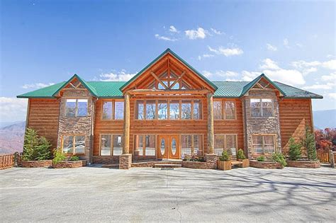 10 bedroom cabin gatlinburg mansion in the sky amazing views home vrbo