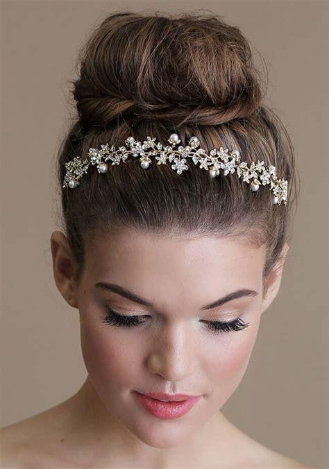 headband hairstyles for medium length hair ways to style medium length hair differently using headband