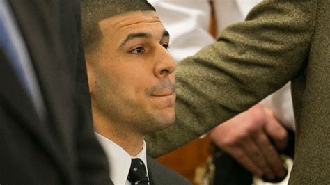 hernandez tattoo aaron hernandez sports new neck that reads