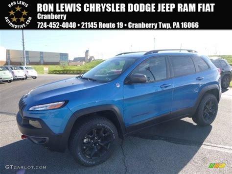 jeep trailhawk blue 2017 hydro blue pearl jeep cherokee trailhawk 4x4
