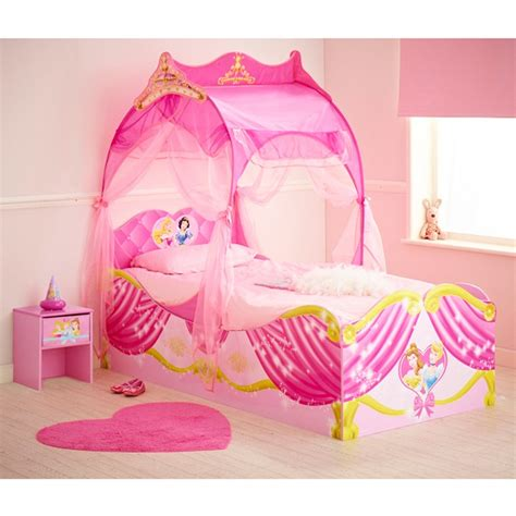 chambre princesse disney 7 best disney princess playhouses images on