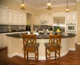 Kitchen Cabinet Island Design Ideas Pictures Of Kitchens Traditional Off White Antique