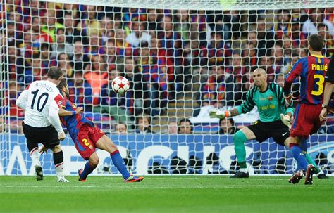 barcelona vs mu wayne rooney in barcelona v manchester united uefa