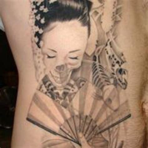 geisha tattoo znaczenie tatuaż trzy pi 243 rka ptasie