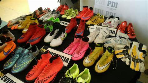 alexis sanchez zapatos de futbol recuperan zapatos robados que alexis s 225 nchez regal 243 a