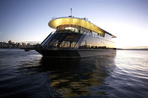 party boat brisbane hire new years eve cruises cruise new years on starship sydney
