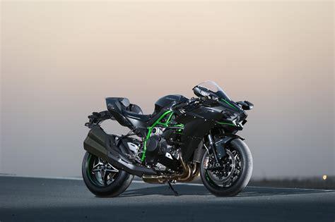 Motorrad Ninja H2 by Kawasaki Ninja H2 Und H2 R Test In Katar Motorrad Fotos