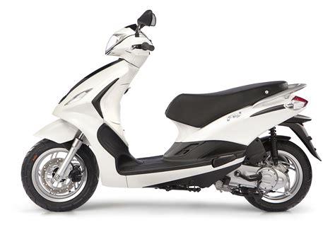 Motorrad 3 Räder 2 Vorne by Gebrauchte Und Neue Piaggio New Fly 125 I E 3v Motorr 228 Der
