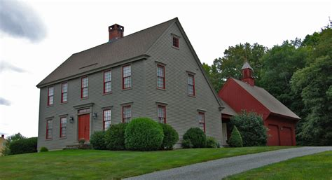 saltbox houses the saltbox colonial exterior trim and siding the