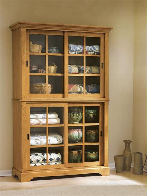 sliding door cupboard woodworking plan  wood magazine projecten doors router