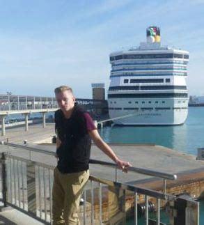 ship hero english teenager is hero on stricken costa concordia