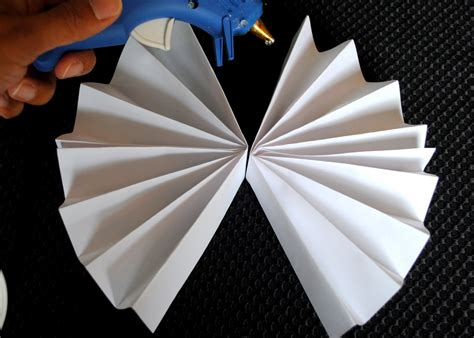 How To Make Paper Fan Circles - sweet metel moments diy tutorial paper rosette