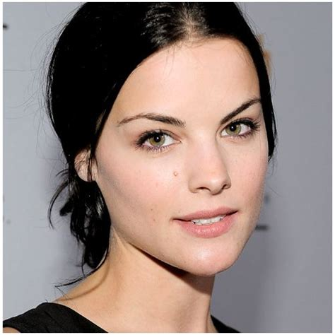 celebrities with green eyes and pale skin dark hair pale skin light eyes celebrities
