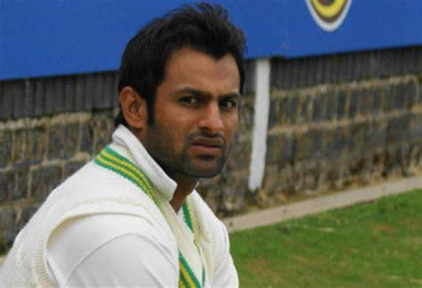pakistans shoaib malik retires from test cricket times pak cricketer shoaib malik retires from tests