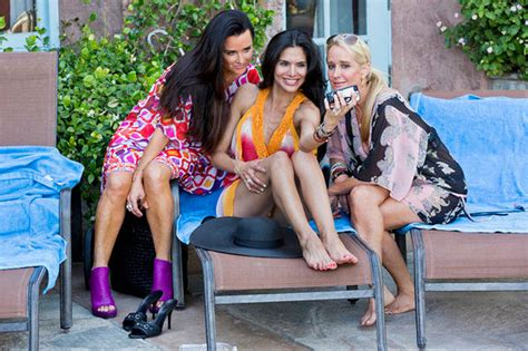beauty beat a tour of real housewives kyle richards new real housewives of beverly hills recap escape to bitch