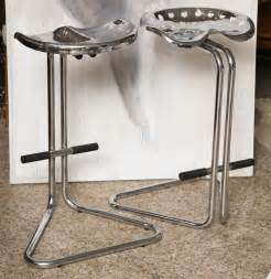 Tractor Seat Bar Stools Pair Of Chrome Tractor Seat Bar Stools At 1stdibs
