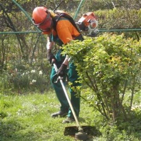 lavoro da giardiniere giardiniere e piccole manutenzioni su secondamano it