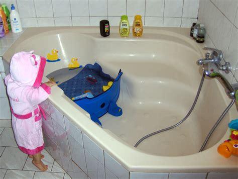 baignoire bebe sur baignoire adulte