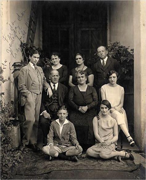 K Fed Still In With The Family by La Storia E La Simbologia Dietro 5 Quadri Famosi Di Frida