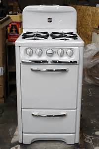 Apartment Size Stove Gas Wedgewood 22 Quot Apt Size Vintage Stove