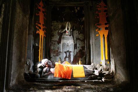 reclining buddha cambodia angkor wat siem reap cambodia reclining buddha inside