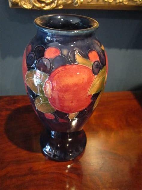 Moorcroft Pomegranate Vase Value by Moorcroft Pomegranate Vase 218345 Sellingantiques Co Uk