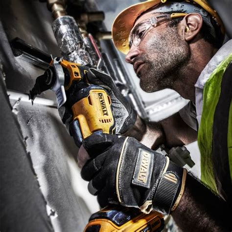 Dewalt Dcs355d2 Kr Li Ion Brushless Multi Tool dewalt dcs355d2 dewalt 18v xr li ion brushless 2 0ah oscillating multi tool