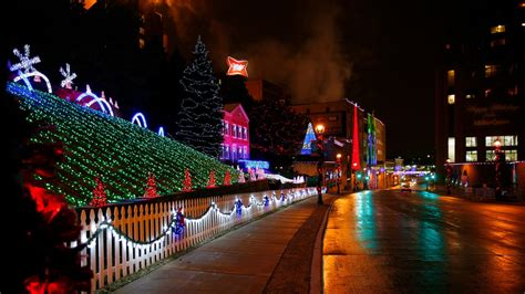 christmas lights at miller brewery milwaukee visit milwaukee holidays in milwaukee tour itinerary