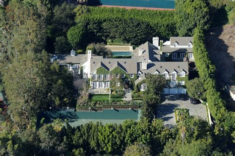 tom cruise house tom cruise attempting to sell beverly hills compound for