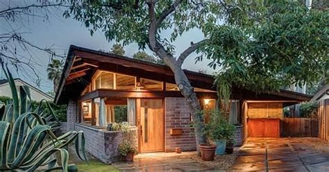 listing of the week frank lloyd wright jr s dorland house