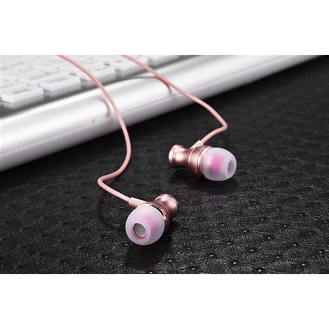 Metal Earphone Stereo Magnetic Dengan Microphone Pink metal earphone stereo magnetic dengan microphone pink