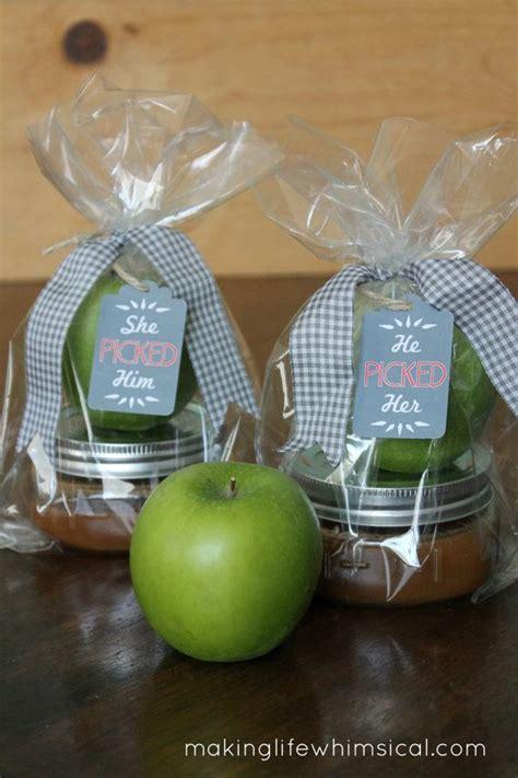 bridal shower favors uk the 25 best apple wedding favors ideas on