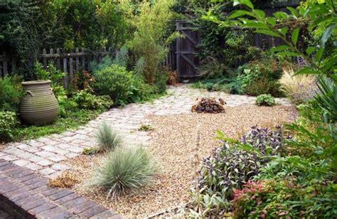 Gravier Décoratif Exterieur by Gravier D 233 Coratif Pour Le Jardin Avec Touche M 233 Diterran 233 Enne