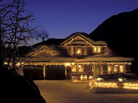 christmas homes holiday home christmas wallpaper 2735188 fanpop