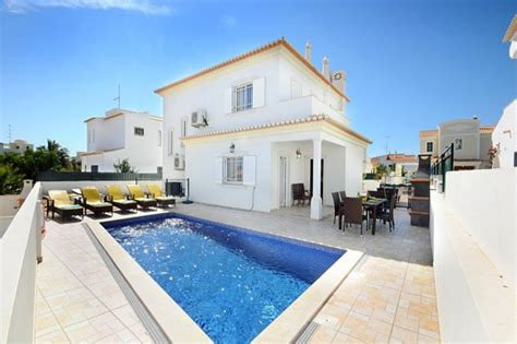 4 bedroom villas in portugal villa to rent in albufeira algarve with private pool 75857