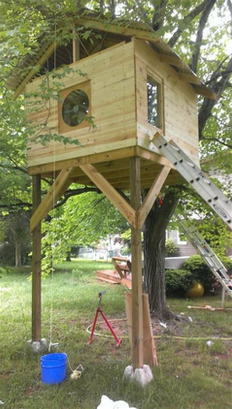Small Houseplans by Redditor Mrbuildit Has Built A 300 Diy Treehouse For His