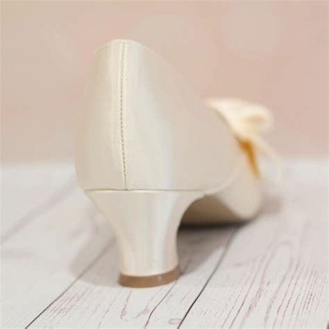 Ivory Satin Wedding Shoes by Ivory Wedding Shoes Satin Pointy Toe Spool Heel Vintage