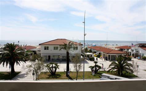 appartamenti vendita lido di camaiore appartamento con terrazza vista mare in vendita a lido di