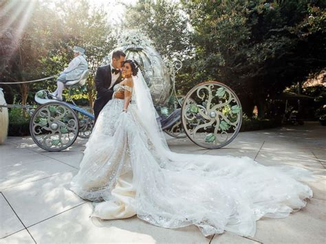 Wedding It by This S Enchanting Tale Wedding At Disneyland