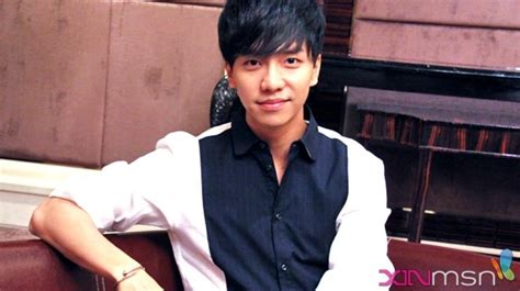 lee seung gi in singapore singapore press interview photos lee seung gi