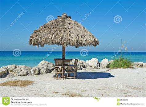 Tiki Hut On Beach Beach Tiki Hut Bar Stock Images Image 35456664