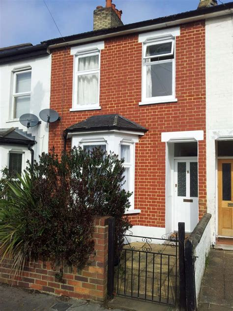 2 bedroom house to rent in croydon newly refurbished 2 bedroom terraced house to rent in