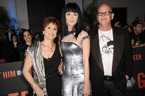 katy perry biography her family pop star katy perry and her family parents and siblings
