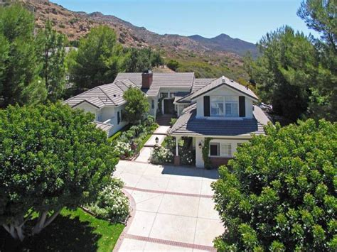 charlie sheen house charlie sheen selling home with poolside views