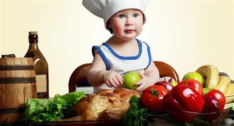 introduzione alimenti svezzamento svezzamento primo brodino