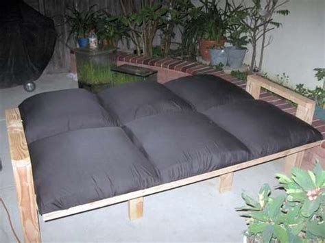 Diy Futon Bed by 1000 Images About Diy Bed Frame On