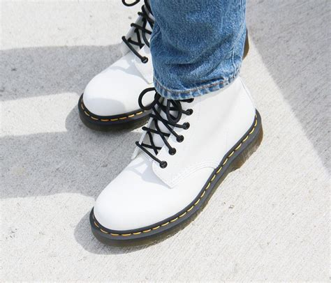 dr martens  white smooth veterboots boots dames